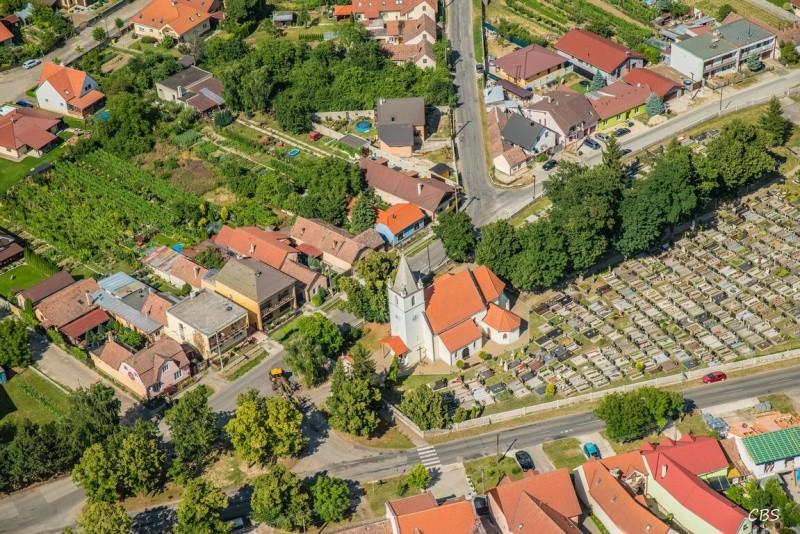 Krtkovanie Slovenský Grob - Čistenie odpadov v Slovenskom Grobe - krtkovanie kanalizácie